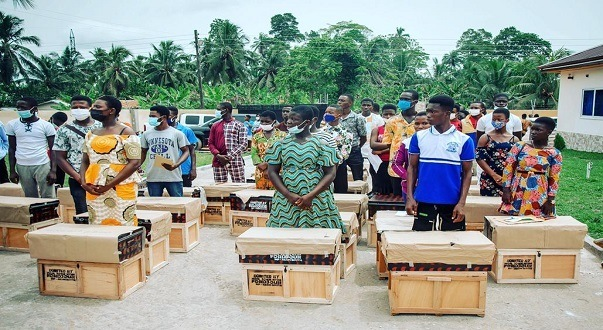 Ntim Fordjour Donates Trunks, Other Items To SHS, TVET Students In Assin South